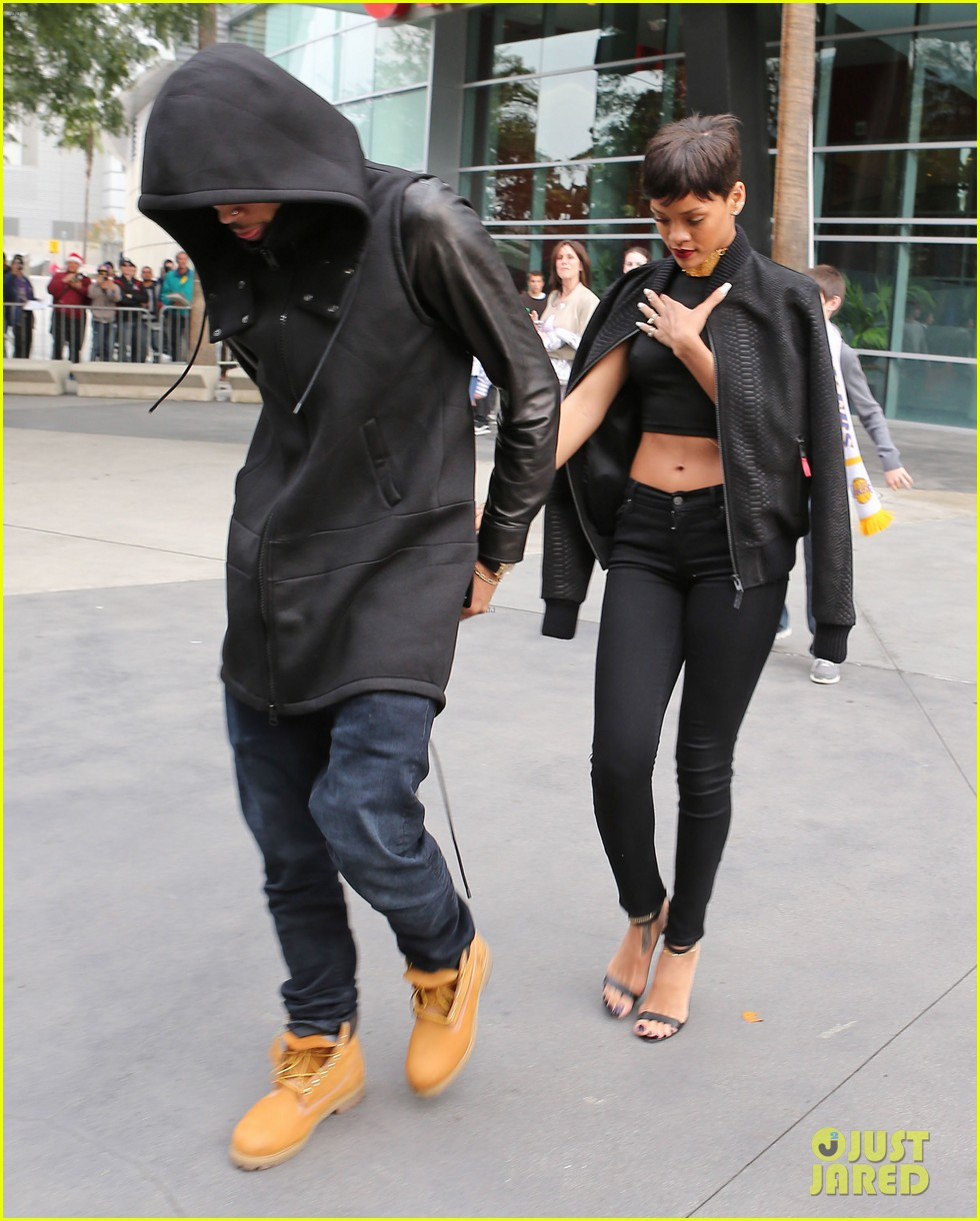 chris brown rihanna christmas pic 10