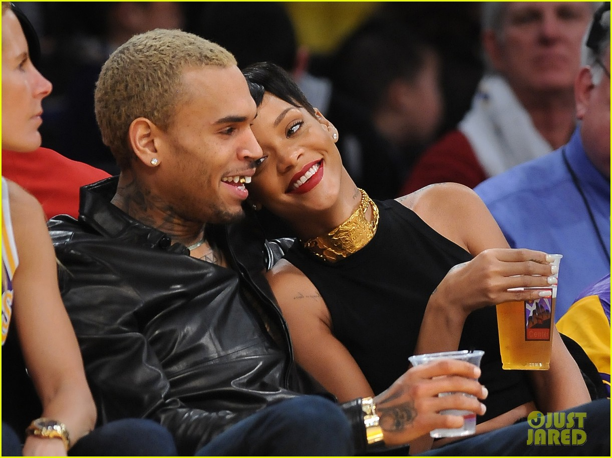 rihanna chris brown lakers christmas 05