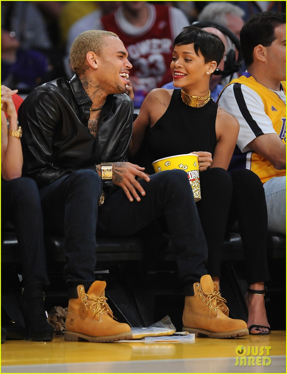 rihanna chris brown lakers christmas 072780929