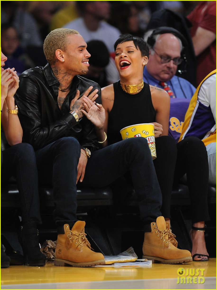rihanna chris brown lakers christmas 122780934