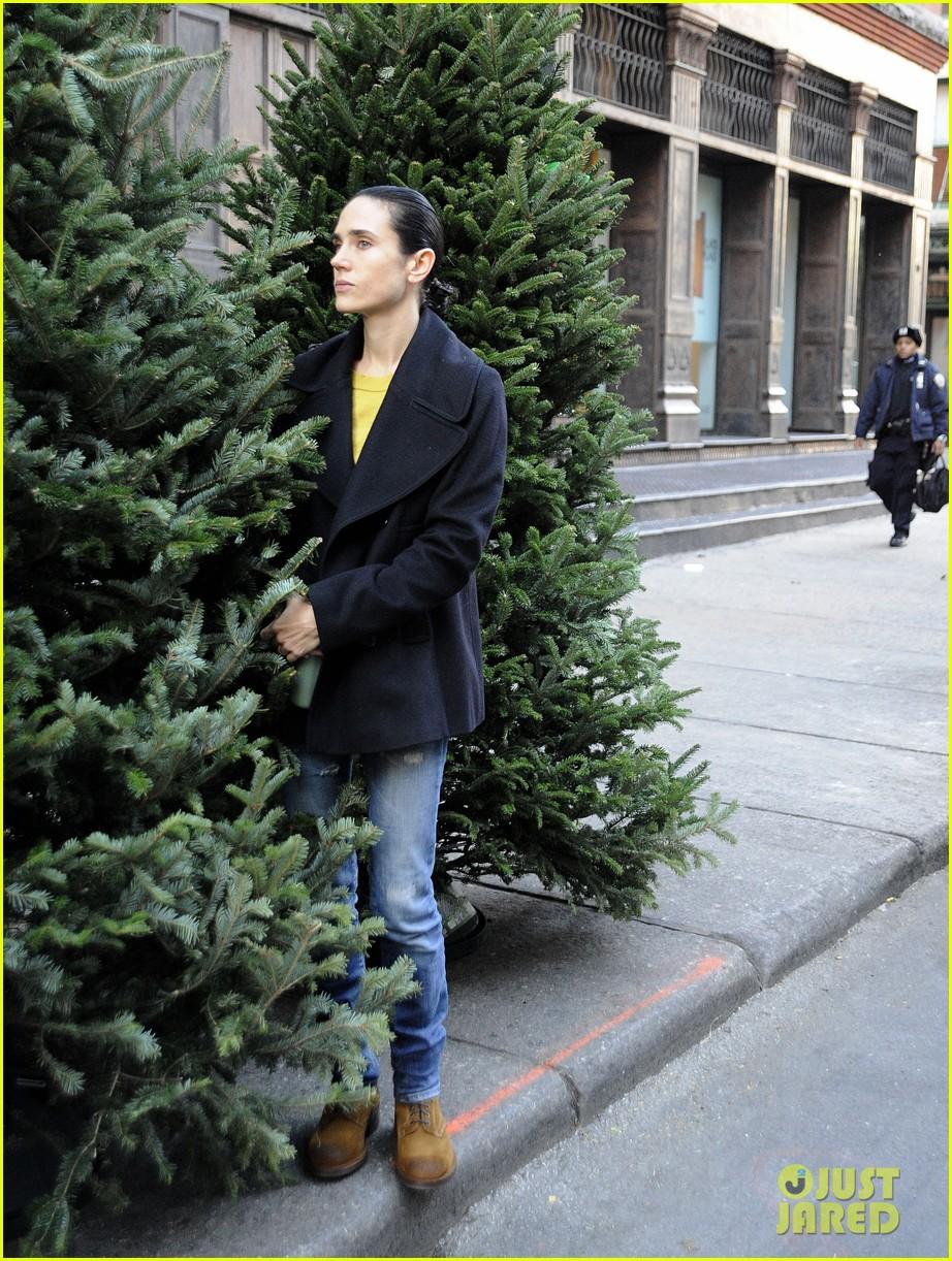 jennifer connelly christmas tree peek a boo 042770863