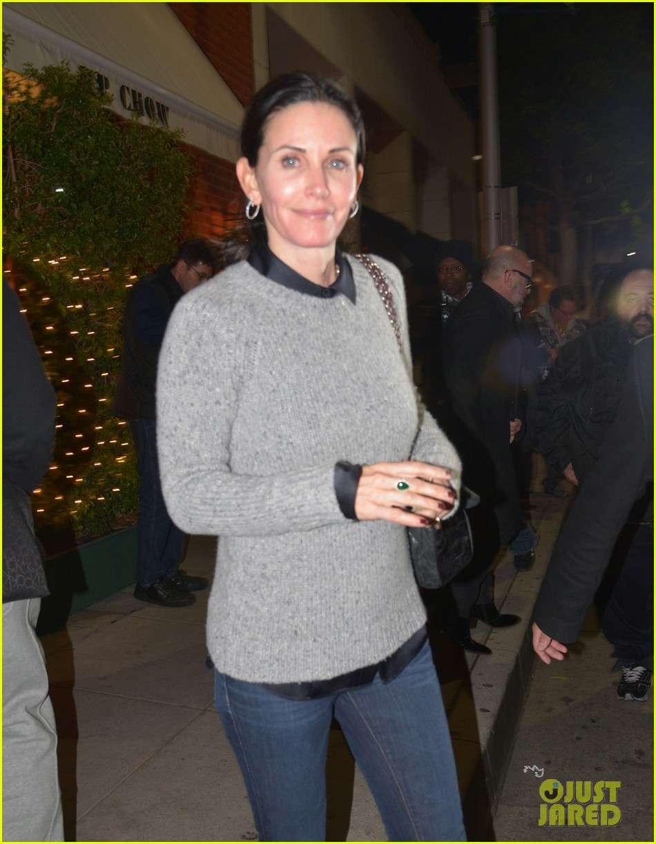 courteney cox back to work on cougar town 09