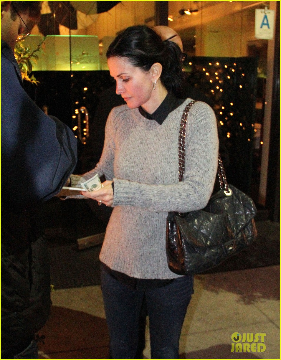 courteney cox back to work on cougar town 132778801