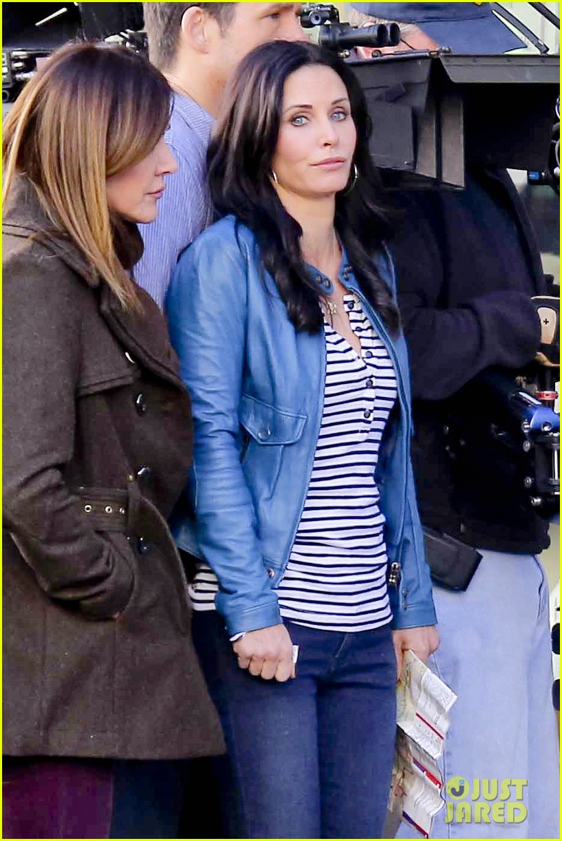 courteney cox back to work on cougar town 242778812