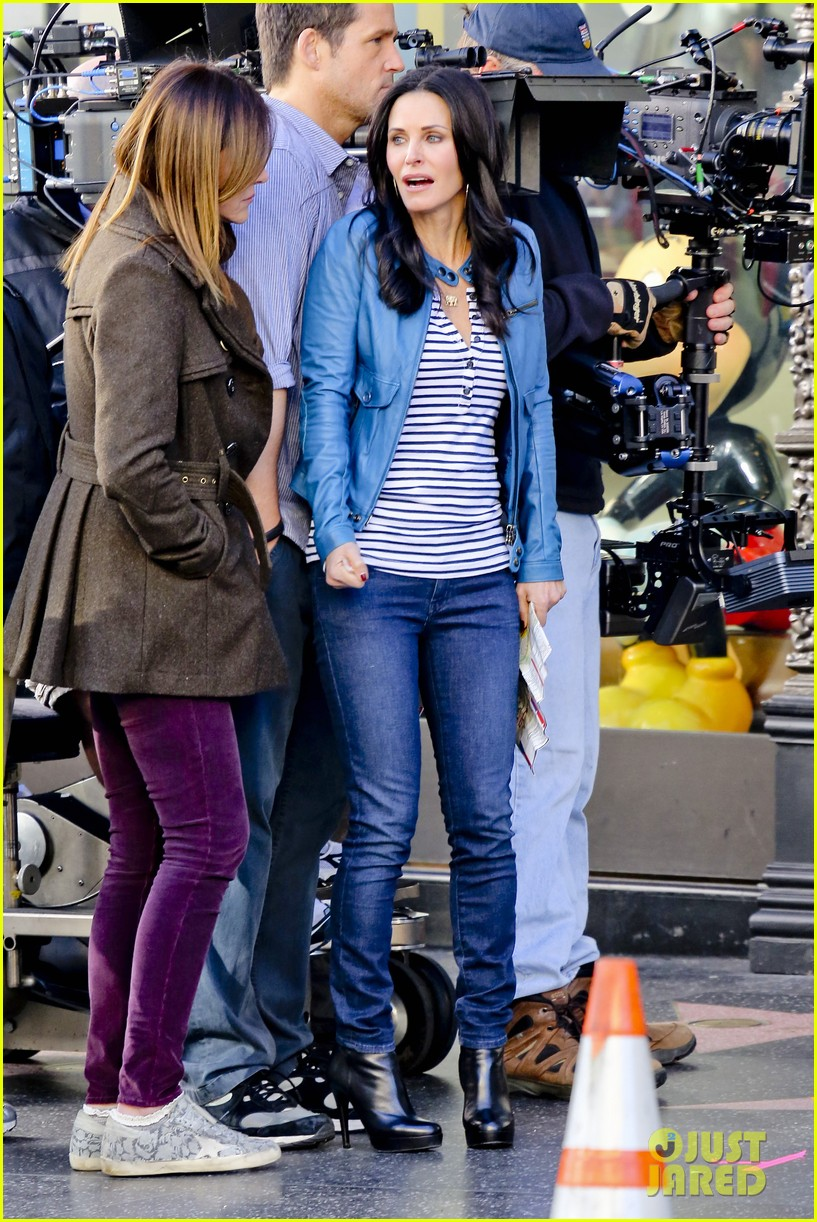 courteney cox back to work on cougar town 312778819