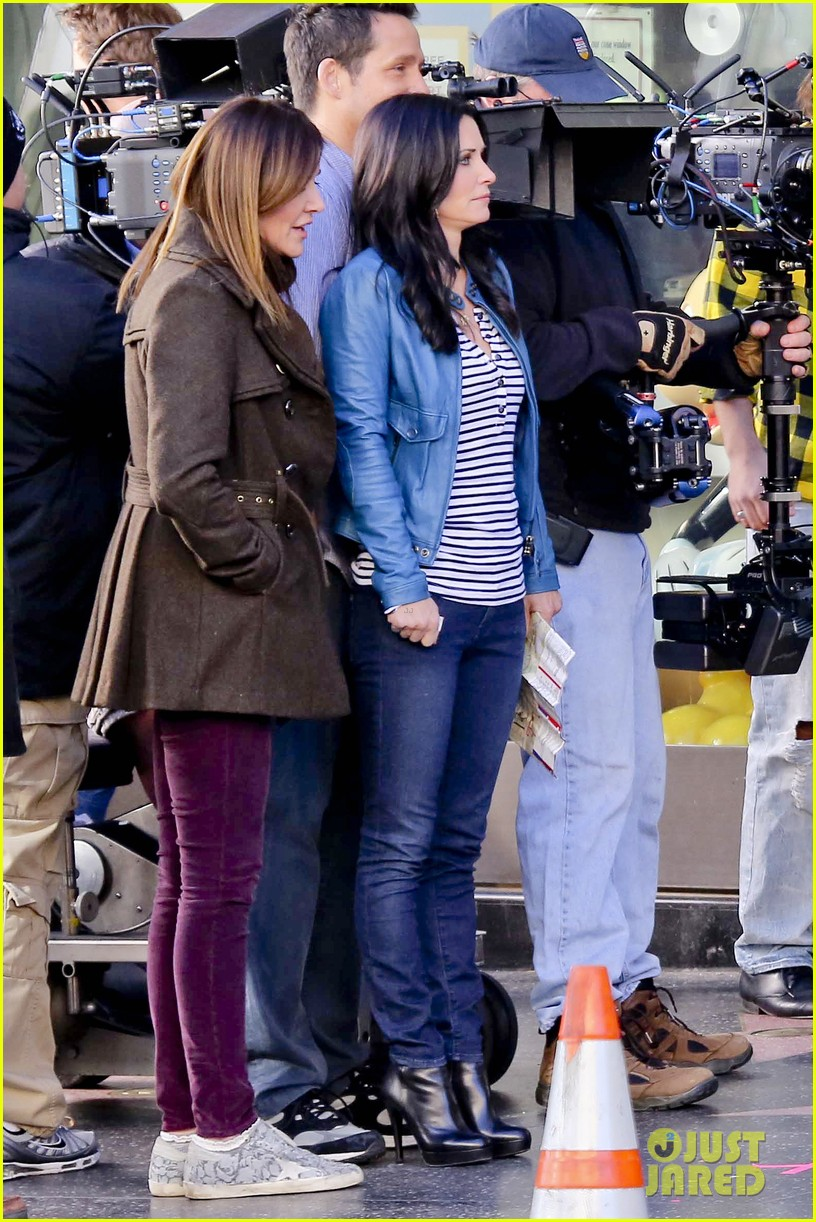 courteney cox back to work on cougar town 322778820