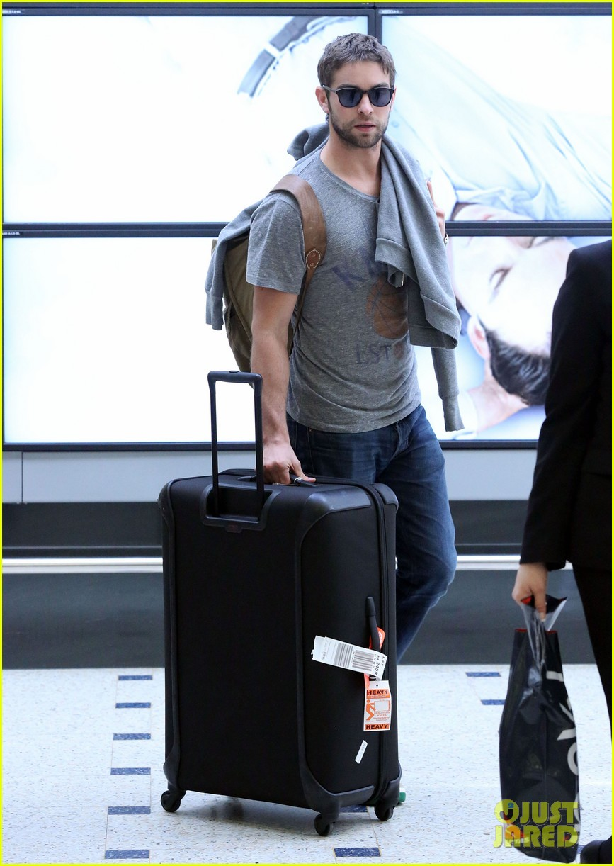 chace crawford heads to australia for new years 032781552