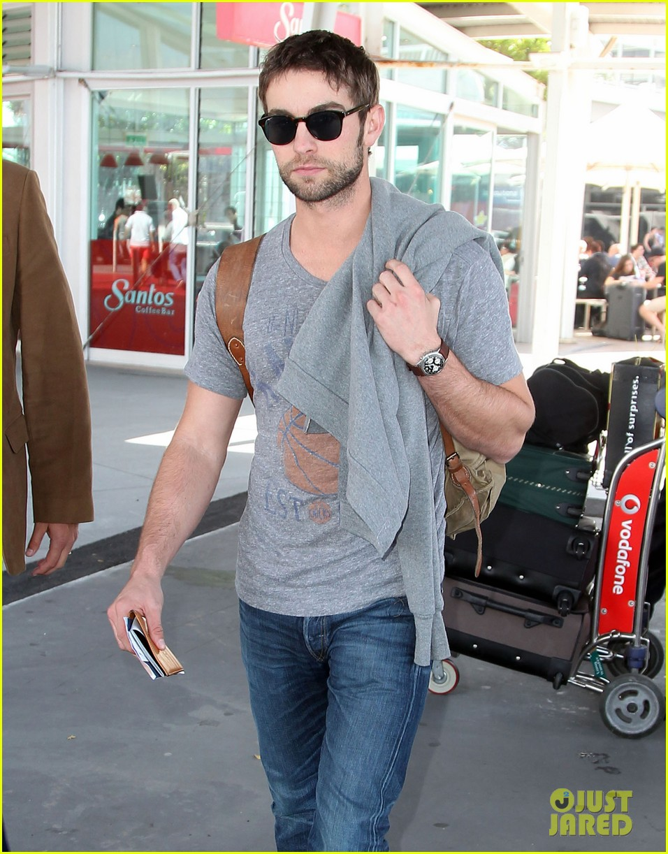 chace crawford heads to australia for new years 042781553