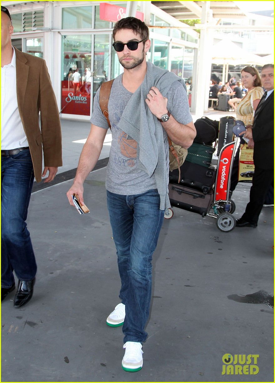 chace crawford heads to australia for new years 05