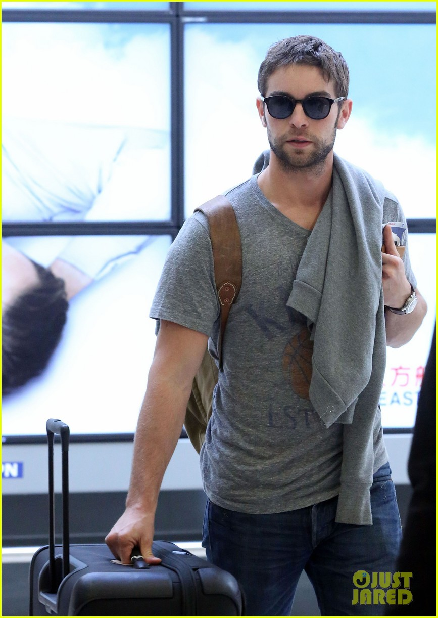 chace crawford heads to australia for new years 08