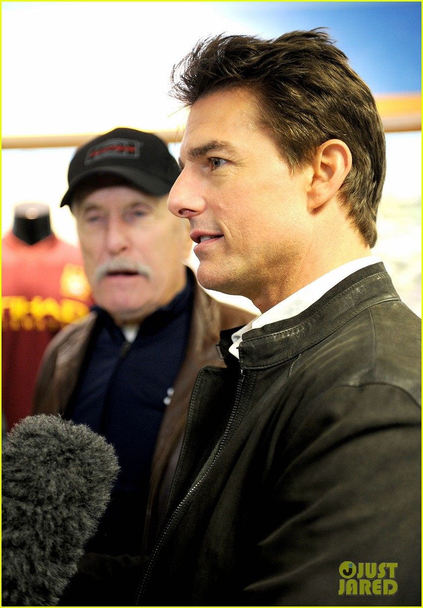 tom cruise jack reacher promotion at the manchester derby 042772406