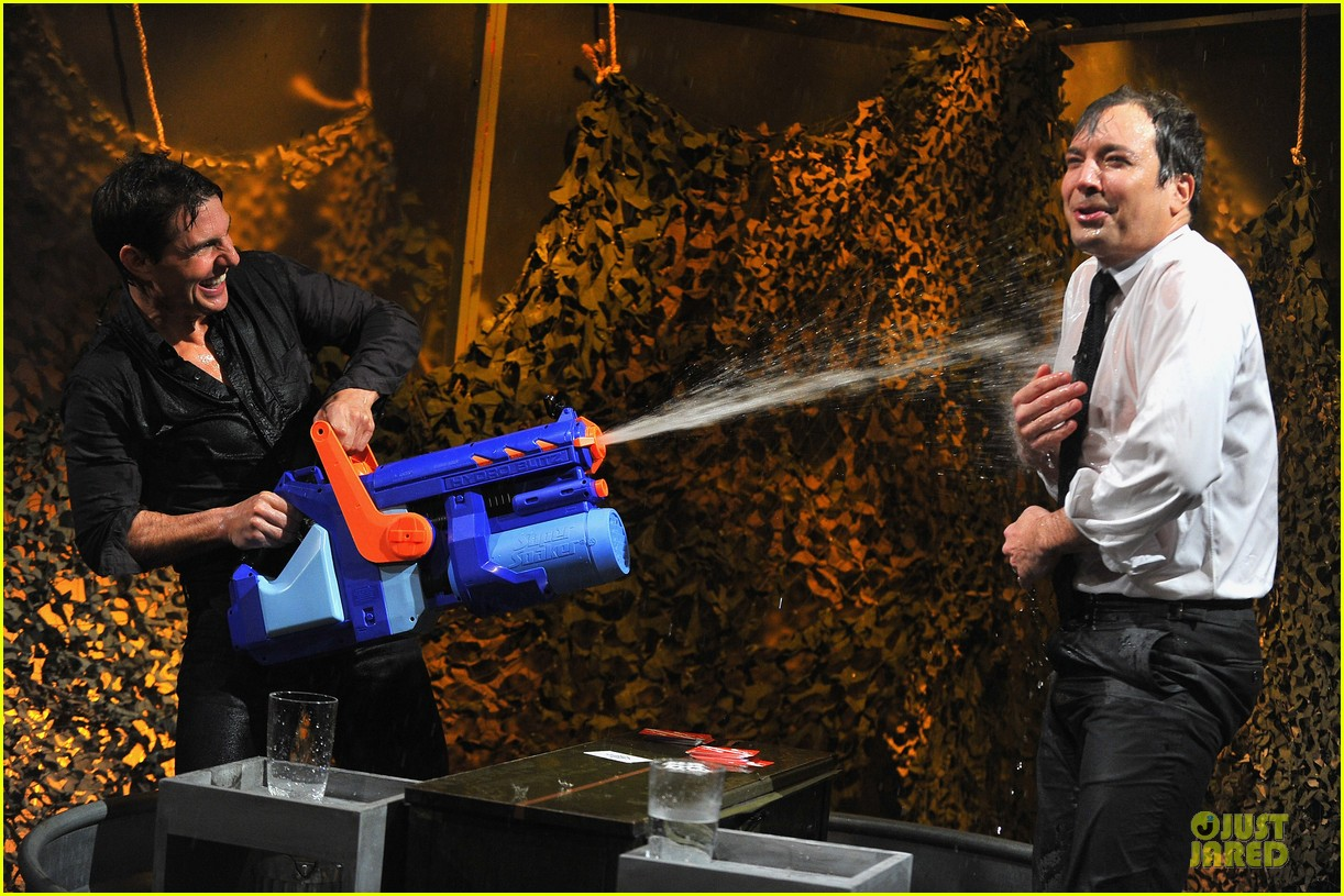 tom cruise water war with jimmy fallon 11