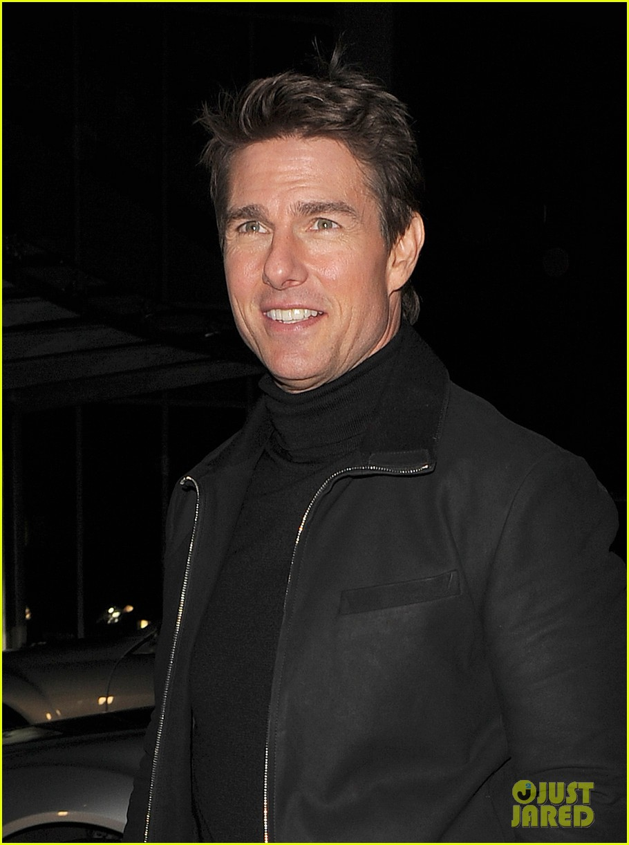 tom cruise spending christmas with kids 05