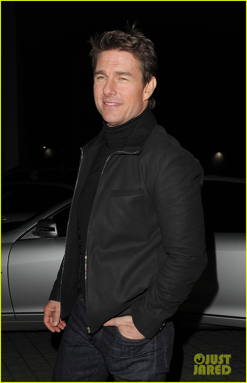 tom cruise spending christmas with kids 132773616