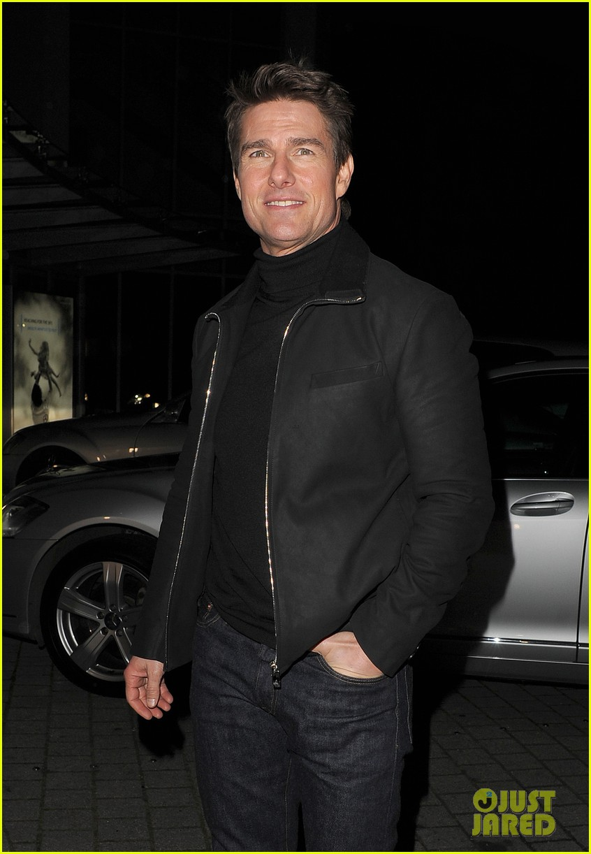 tom cruise spending christmas with kids 152773618
