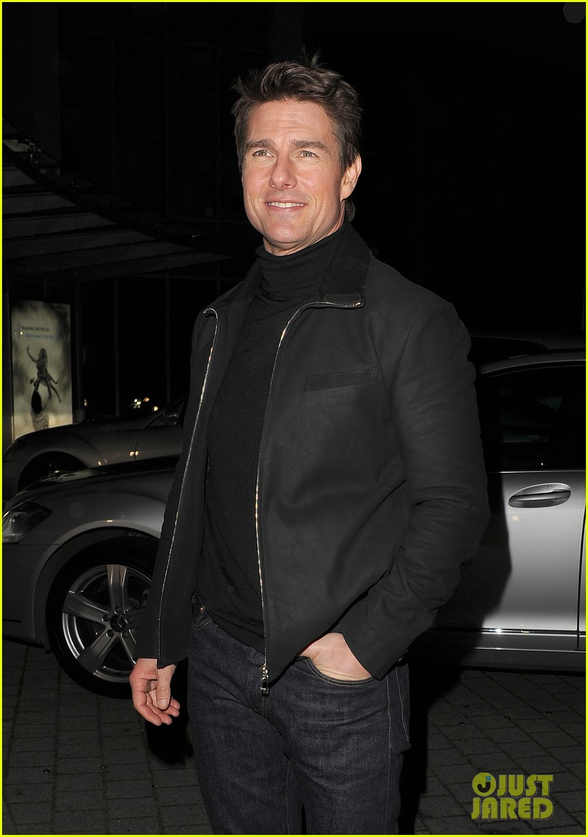 tom cruise spending christmas with kids 162773619