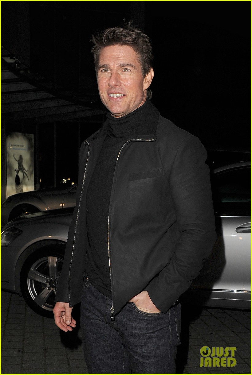 tom cruise spending christmas with kids 212773624