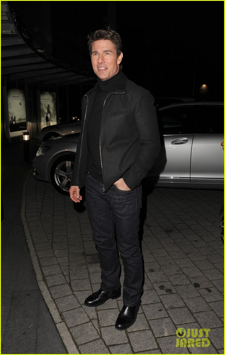 tom cruise spending christmas with kids 232773626