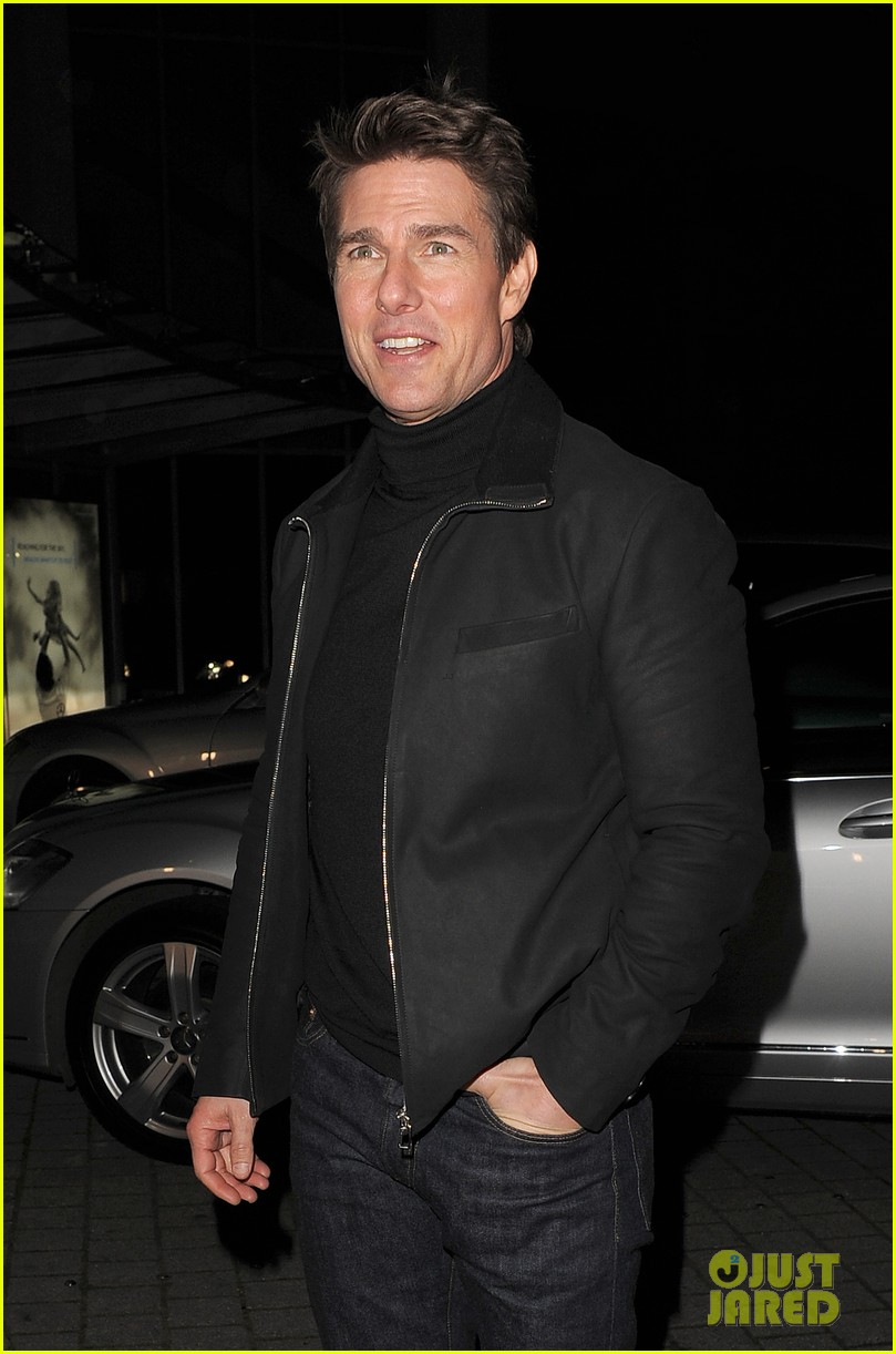 tom cruise spending christmas with kids 242773627