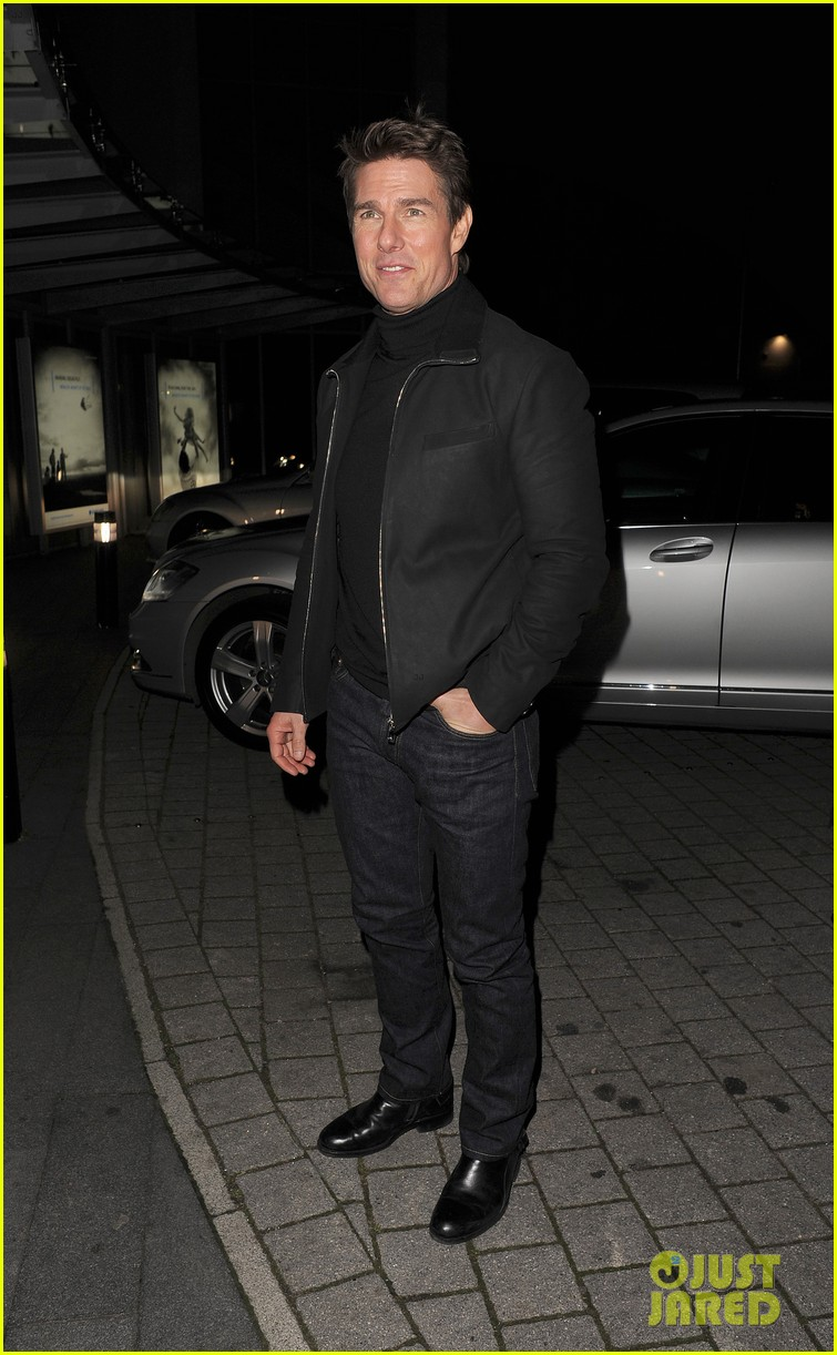 tom cruise spending christmas with kids 252773628