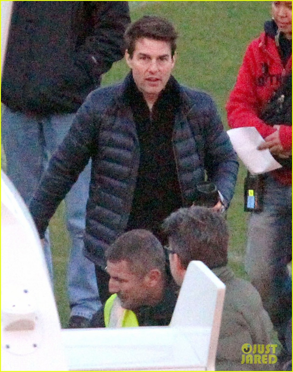 tom cruise is a fantastic jack reacher says writer lee child 082767297