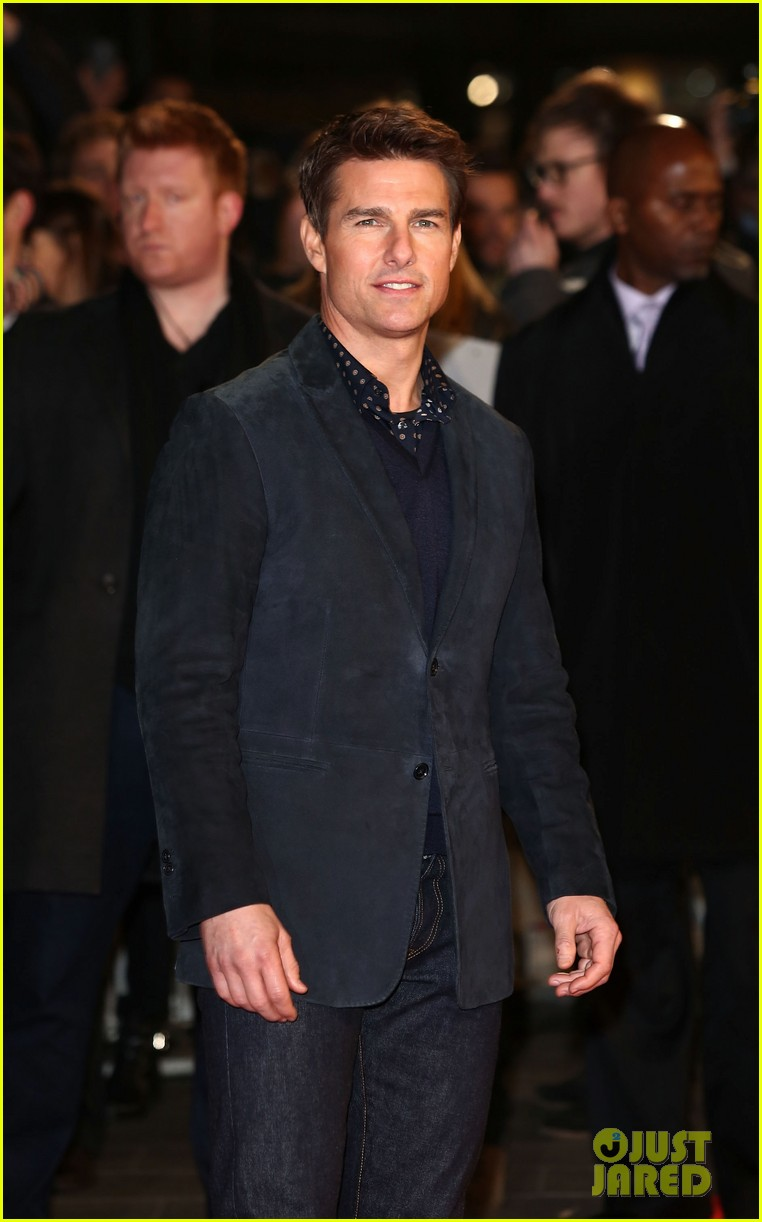 tom cruise rosamund pike jack reacher world premiere 06