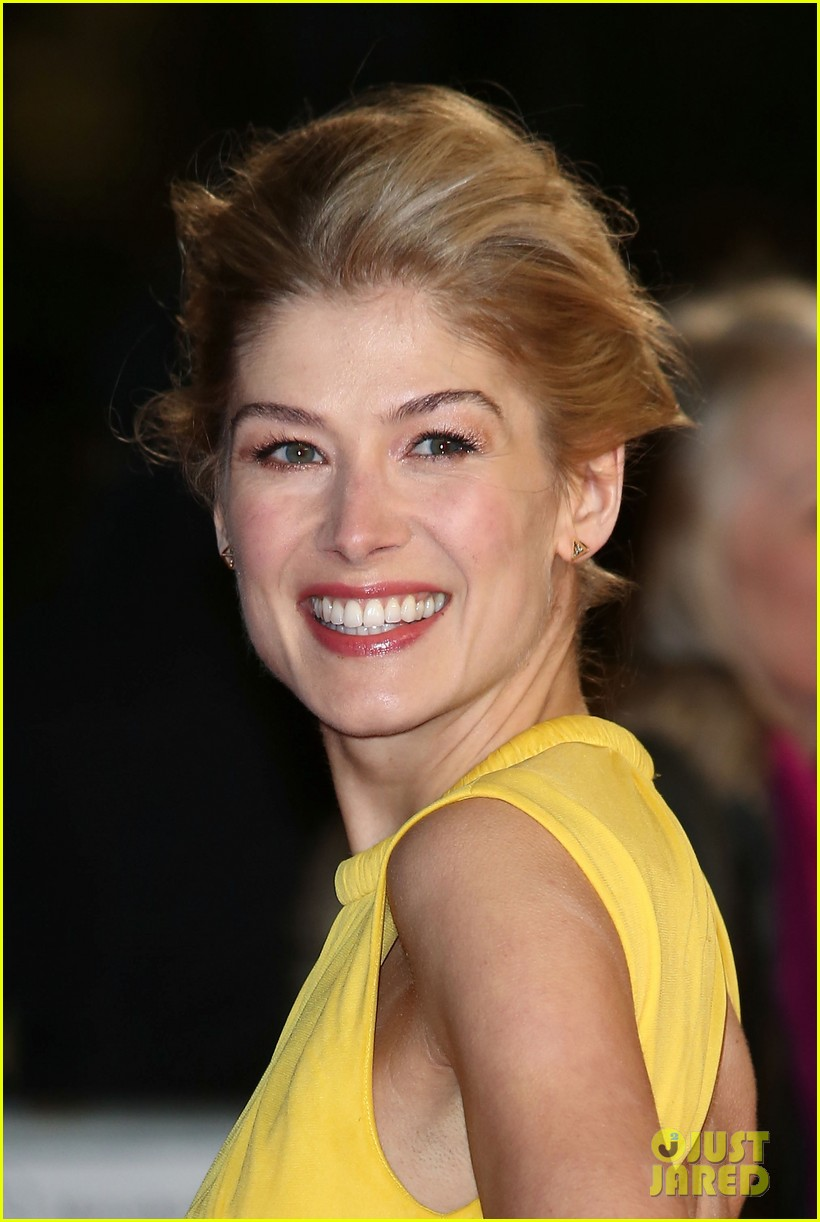 tom cruise rosamund pike jack reacher world premiere 242773040