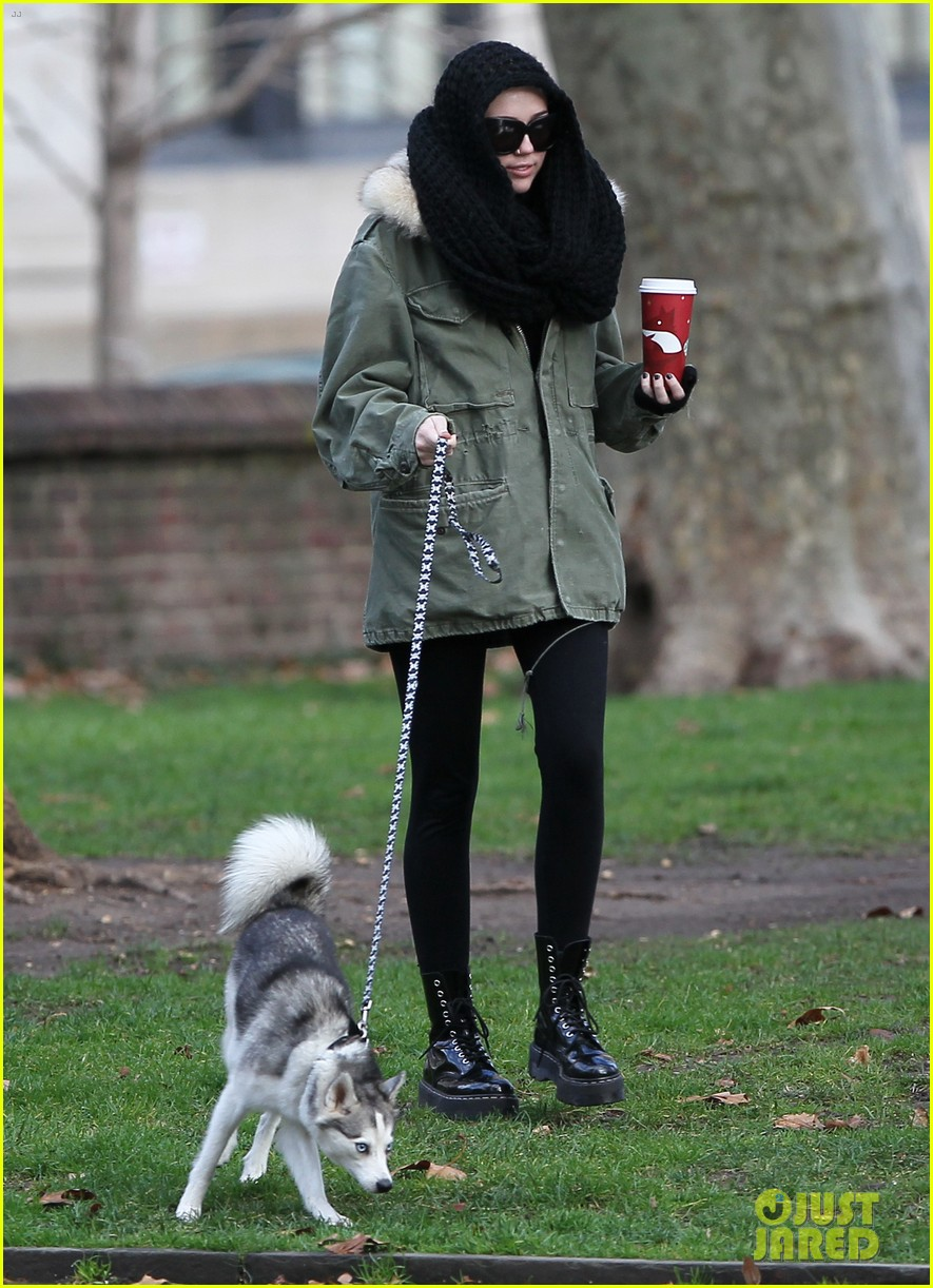 miley cyrus bundles up for philly dog walk 012777929