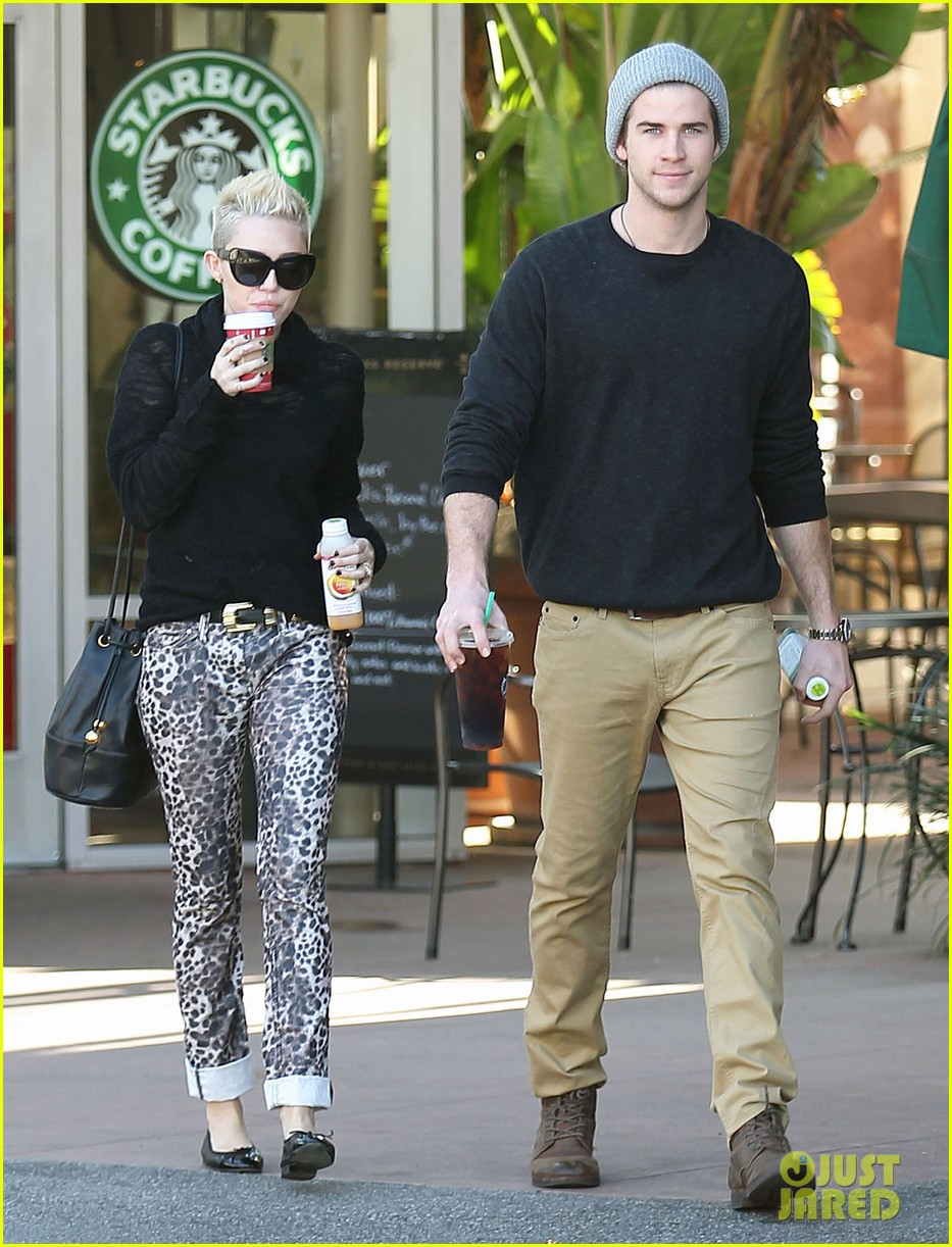 miley cyrus liam hemsworth holding hands at starbucks 092779801