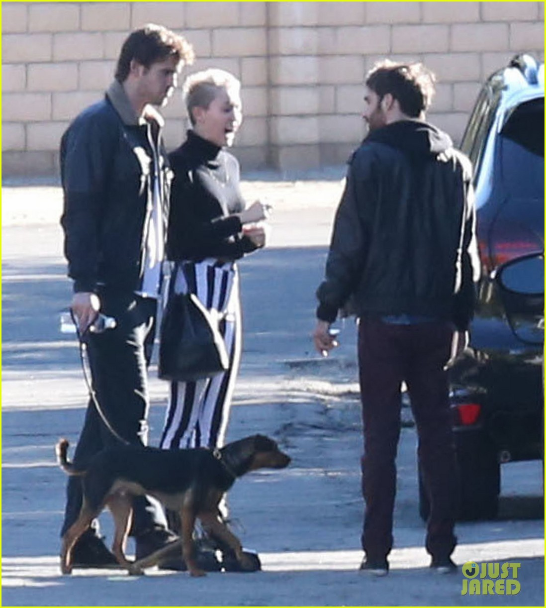 miley cyrus liam hemsworth post christmas family gathering 07