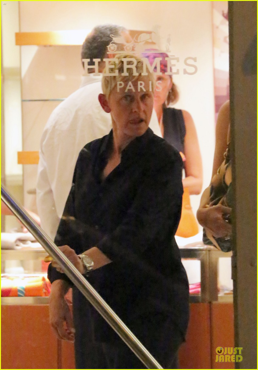 ellen degeneres & portia de rossi holiday jewelry shopping 092780398