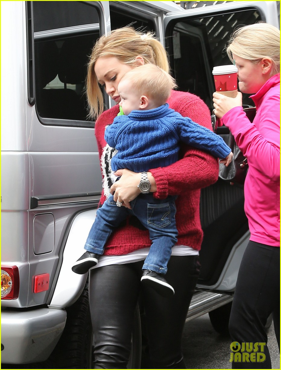 hilary duff babys first class with luca 122775327
