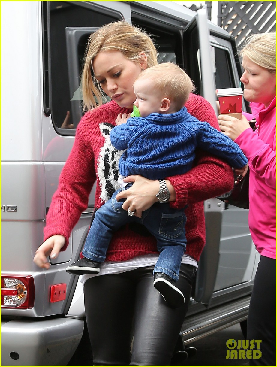 hilary duff babys first class with luca 132775328