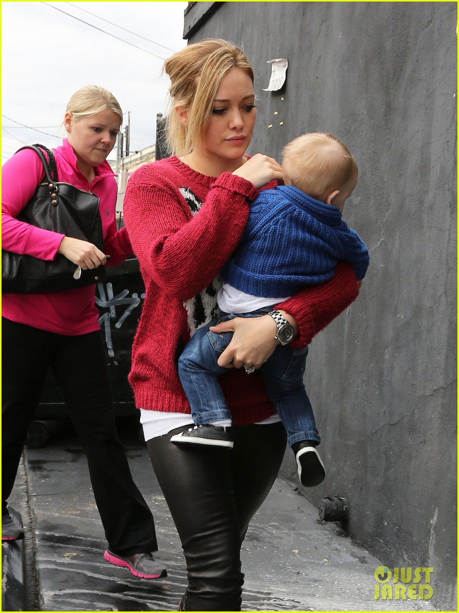 hilary duff babys first class with luca 182775333