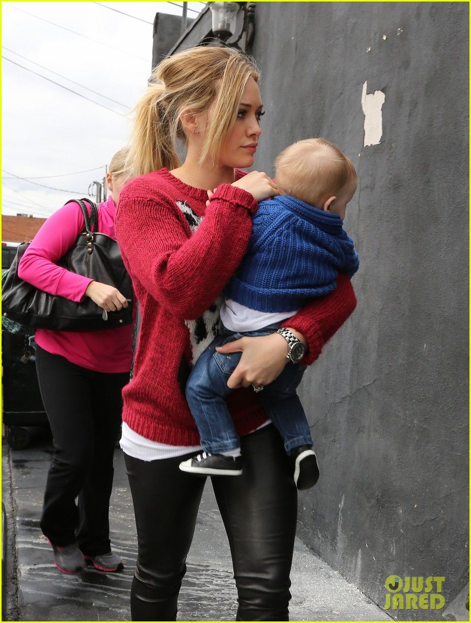 hilary duff babys first class with luca 192775334