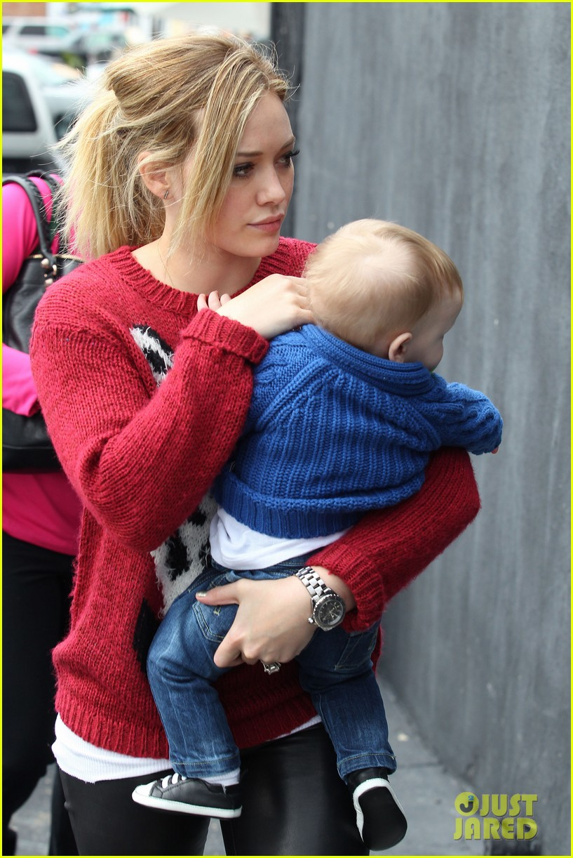 hilary duff babys first class with luca 262775341