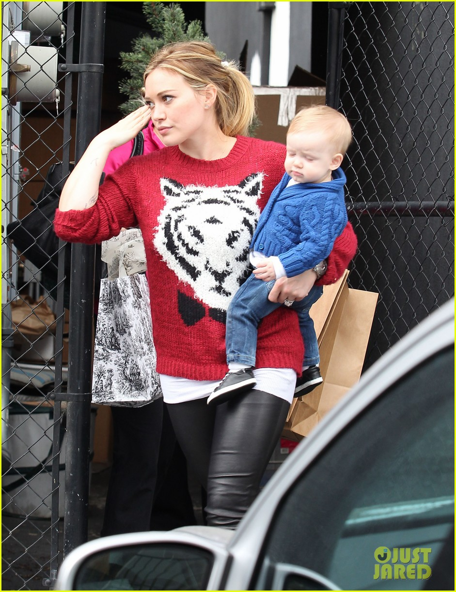 hilary duff babys first class with luca 272775342