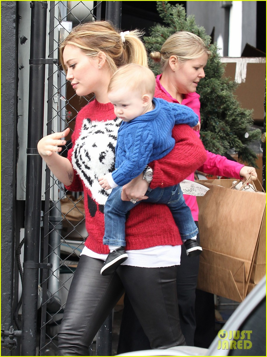 hilary duff babys first class with luca 282775343