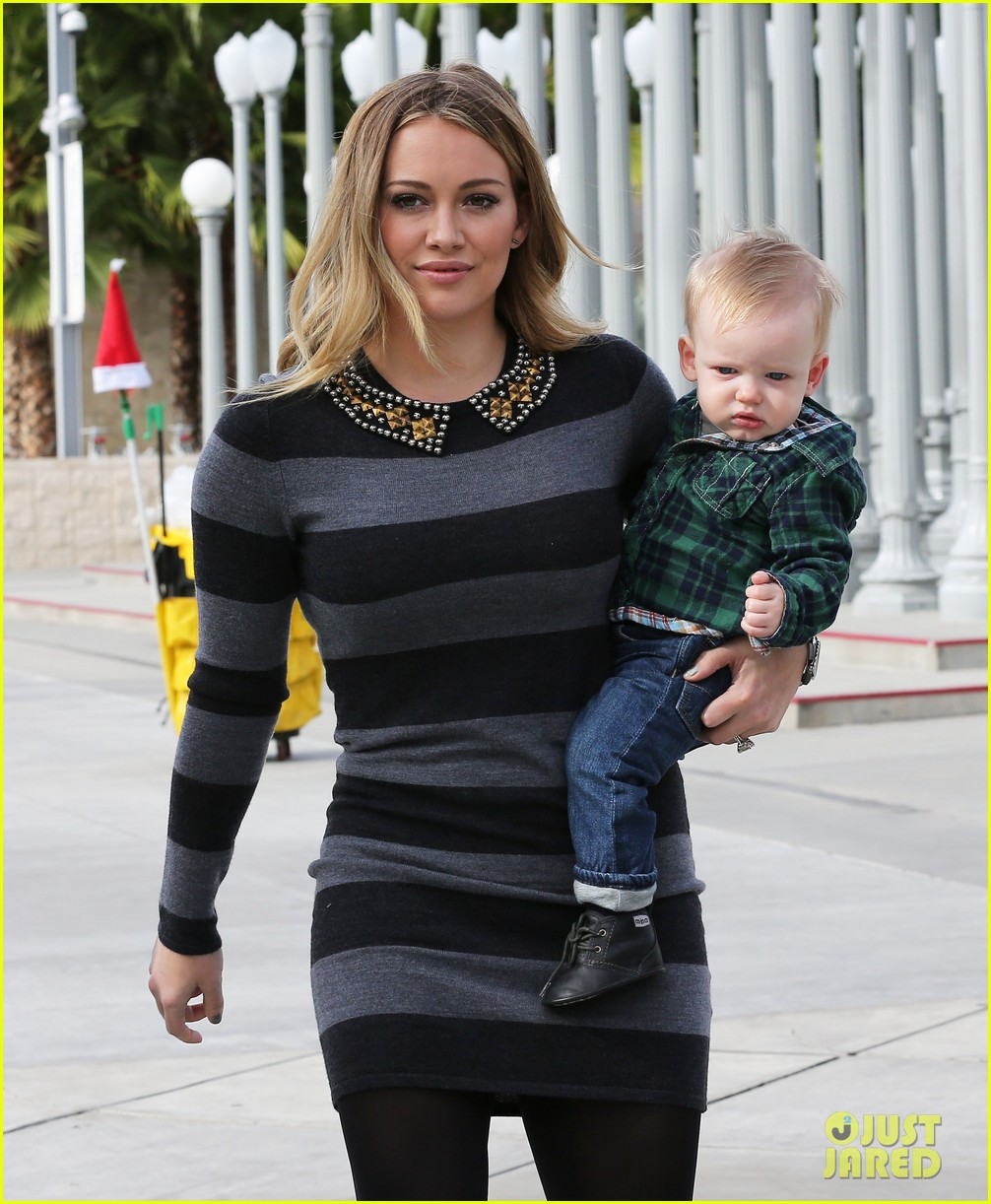 hilary duff mike comrie family fun day with luca 02