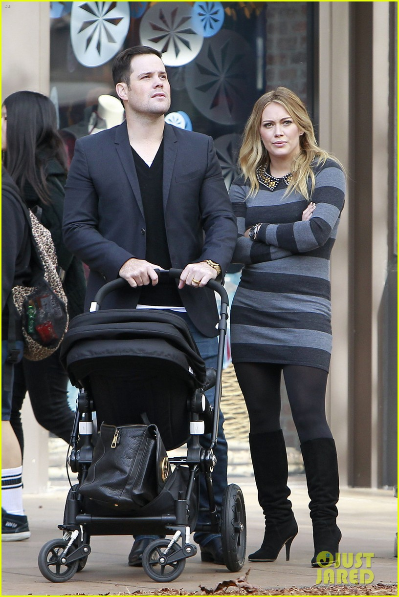hilary duff mike comrie family fun day with luca 062775761