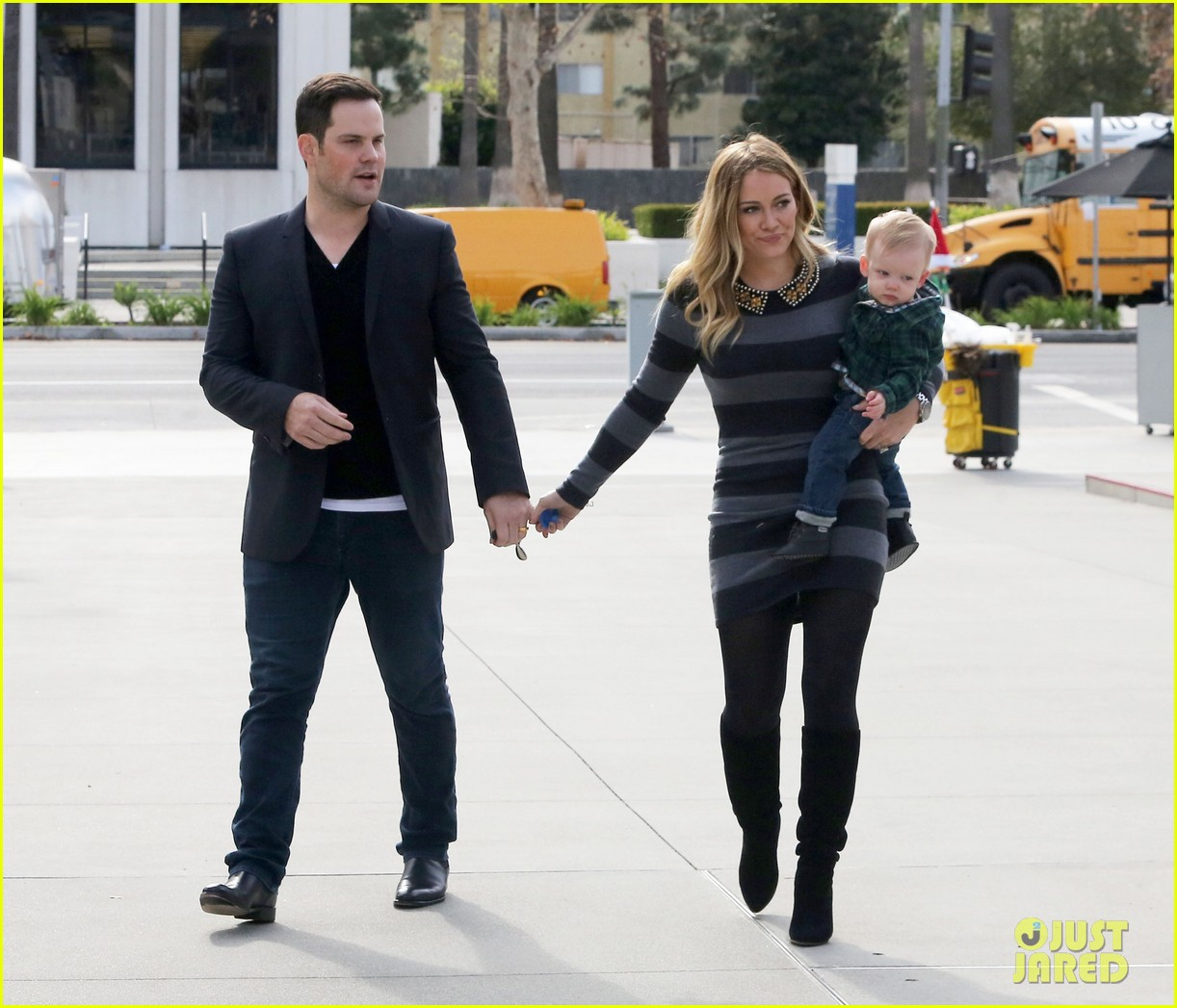 hilary duff mike comrie family fun day with luca 092775764