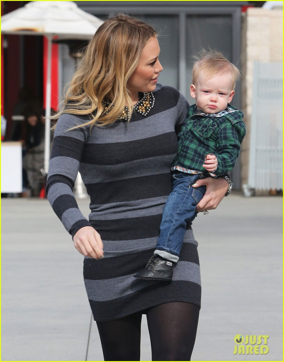 hilary duff mike comrie family fun day with luca 102775765