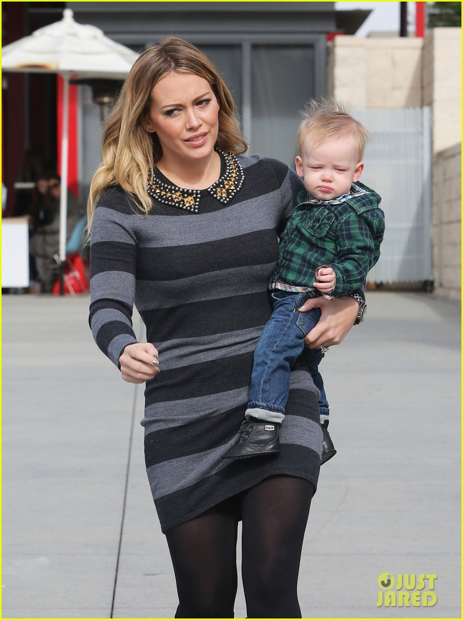 hilary duff mike comrie family fun day with luca 112775766
