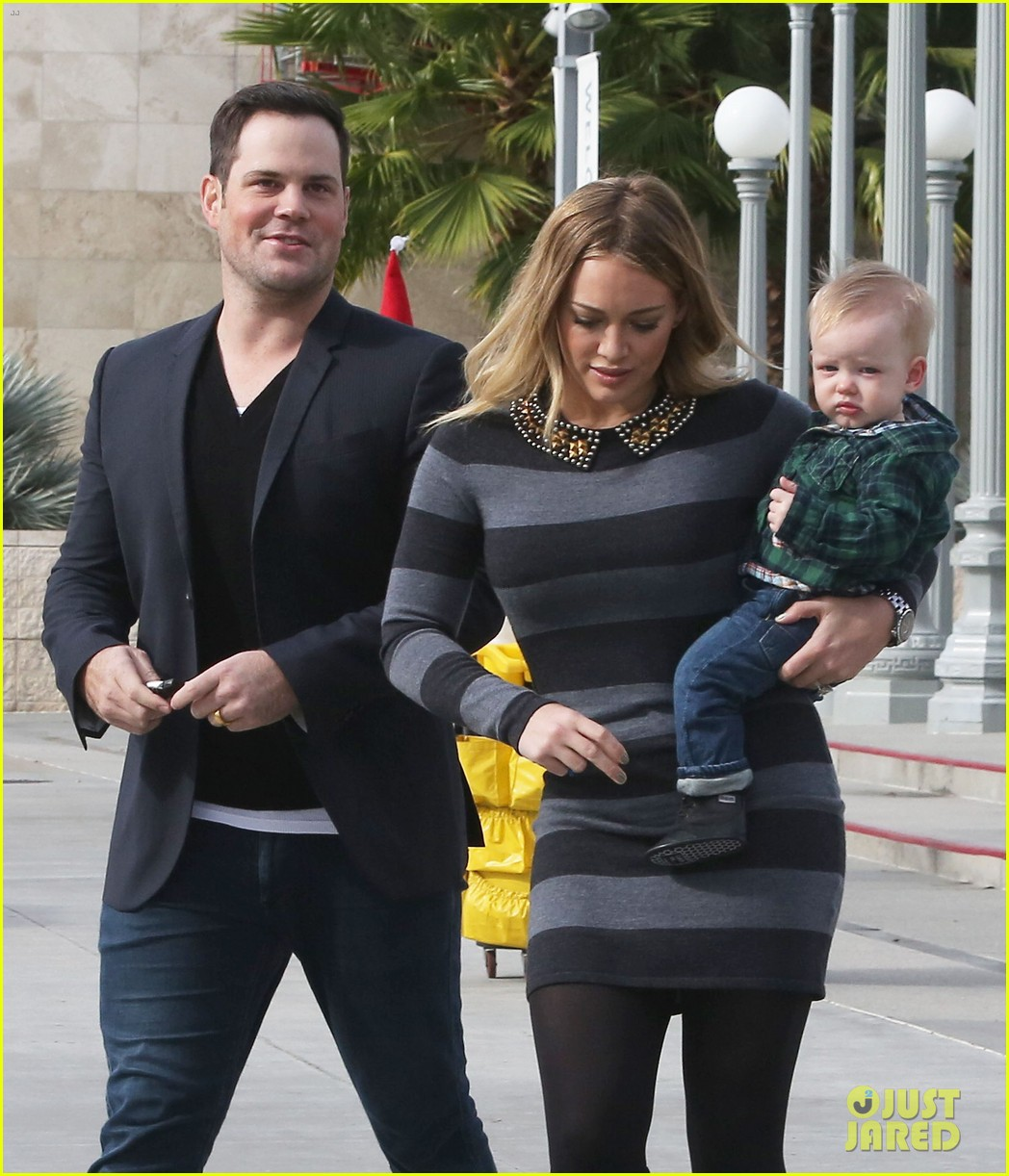 hilary duff mike comrie family fun day with luca 122775767