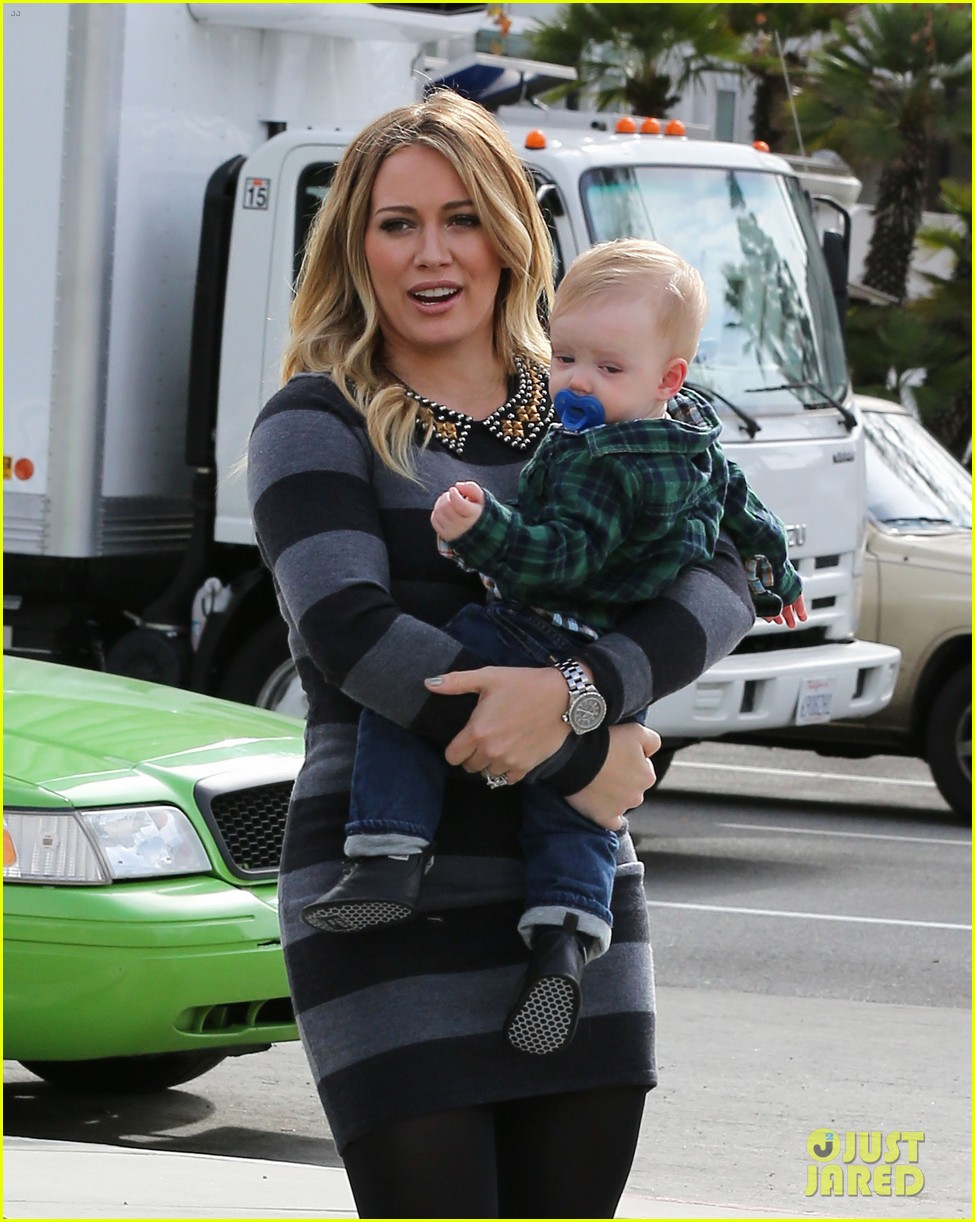 hilary duff mike comrie family fun day with luca 132775768