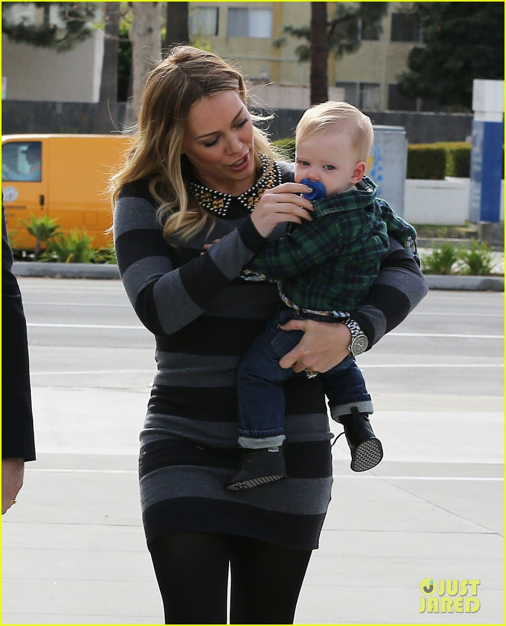 hilary duff mike comrie family fun day with luca 142775769