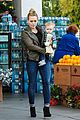 hilary duff & mike comrie grocery store kisses for luca 01