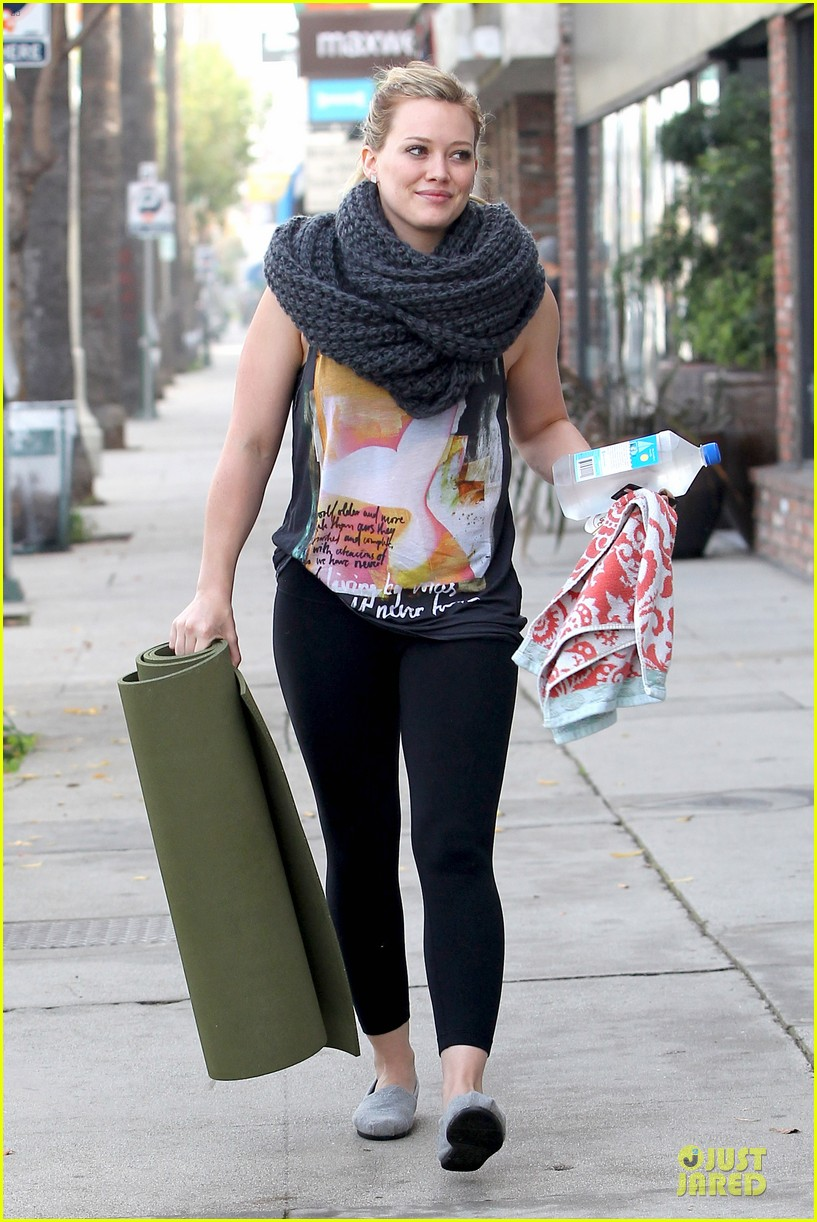 hilary duff matching outfit for lunch 09