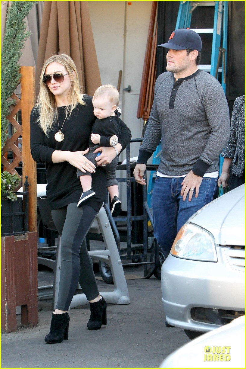 hilary duff matching outfit for lunch 12