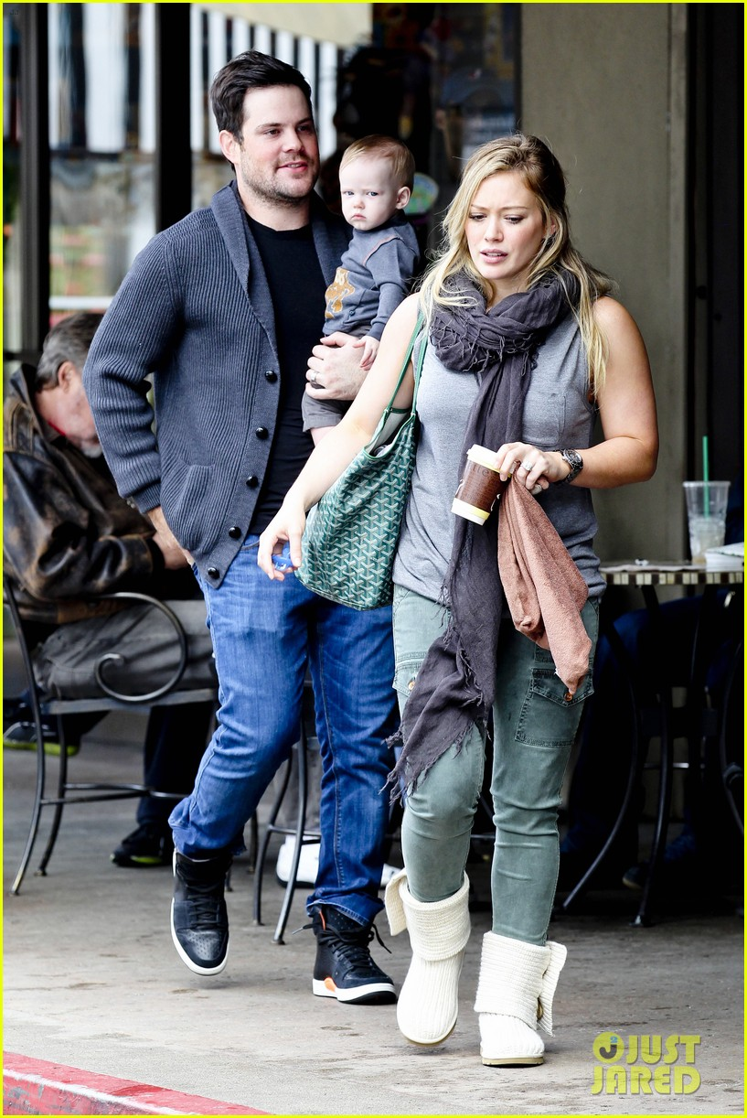 hilary duff mike comrie shopping baby luca 18
